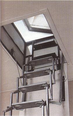 Casas prefabricadas madera escaleras de techo escamoteables - Escalera para buhardilla ...